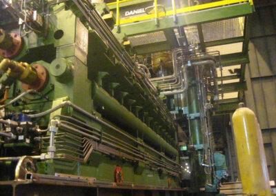 Plate flattening machine in slabs rolling mill