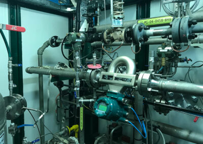 Feeding towboat engines with LNG