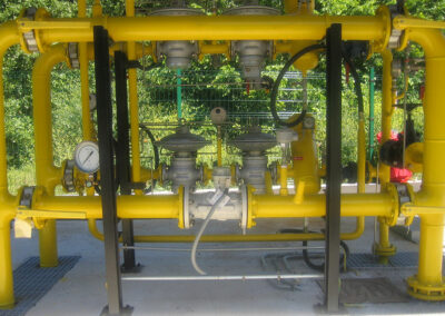 Gas metering and regulation station